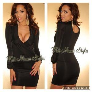 🆕EUC Hot Miami Styles Plunging Keyhole Mini Dress